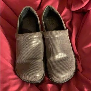 EUC women's grey boc nursing shoes